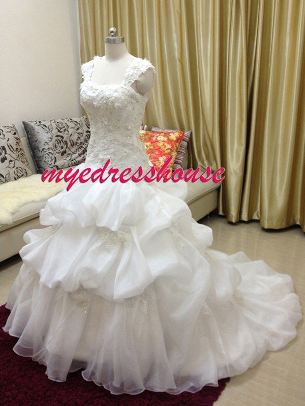 Myedresshouse Hauter Couture Organza Bubbled Lace Up Back Wedding Dress