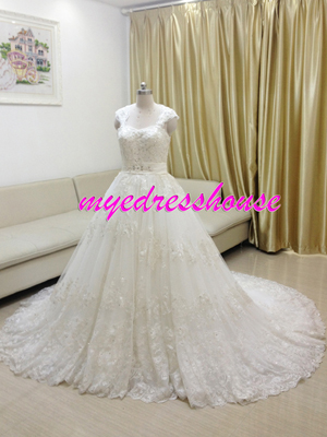 Myedresshouse Hauter Couture Sweetheart Key-Hole Back Lace Ballgown Wedding Dress