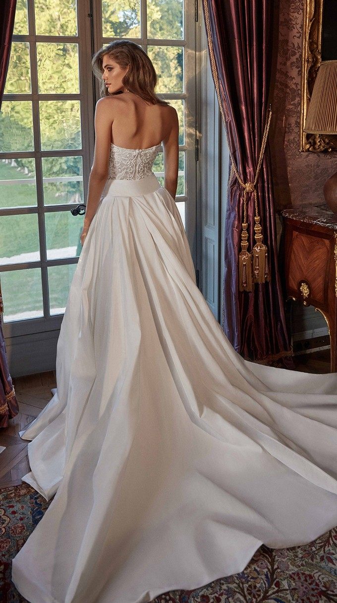 JOANNE Inspirated By Fall 2020 Bridal Couture Collection Fancy White Of Galia Lahav