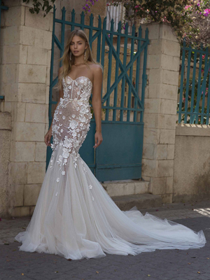 21-P105 Bridal Dress Inspirated By PRIVÉE Of BERTA 2021 No.5 Collection